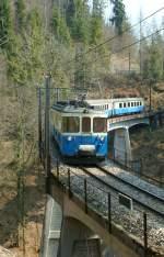 MOB/17122/abde-88-mit-einem-regionalzug-zwischen ABDe 8/8 mit einem Regionalzug zwischen Les Avants und Chamby am 5. April 2009