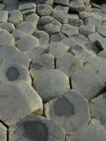 einfach-irisch/56878/einfach-irisch-als-ein-wunder-der Einfach irisch: als ein Wunder der Natur gelten die sechseckig geformten Säulen des Giant's Causeway in Nordirland. (Sept 2007)
